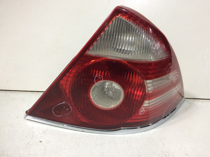 Фонарь задний правый Ford Mondeo 3 B4Y 2000 задний правый 1319871 (б/у)