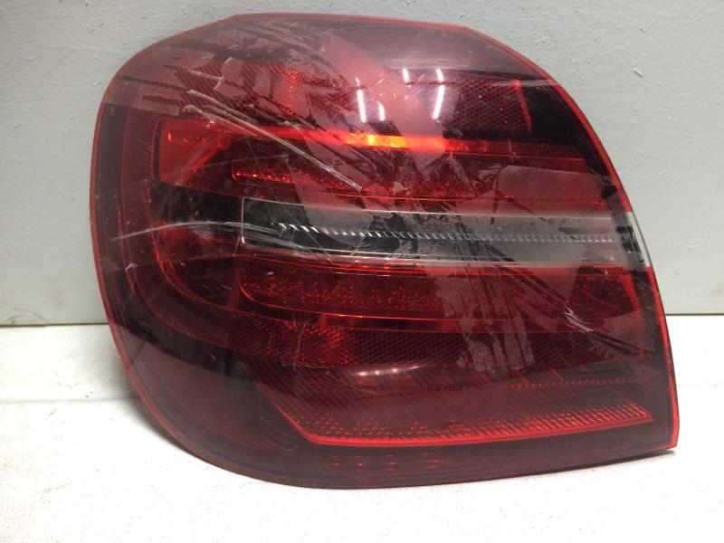 Фонарь задний левый Mercedes Gla X156 задний левый A1569068300 (б/у)