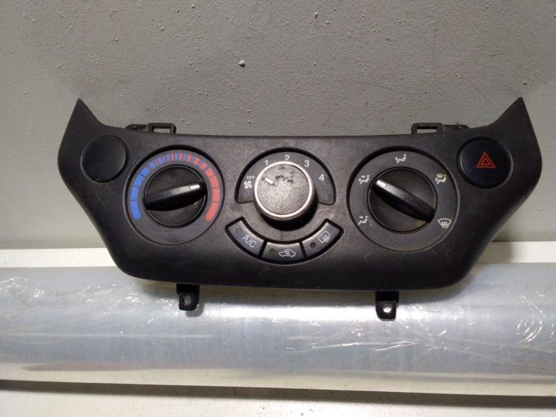 Блок управления климатической установкой Chevrolet Aveo T250 T250 (б/у)