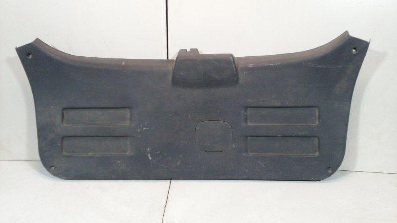 Обшивка багажника Hyundai Tucson 1 JM 2003 задняя нижняя 817502E000 (б/у)