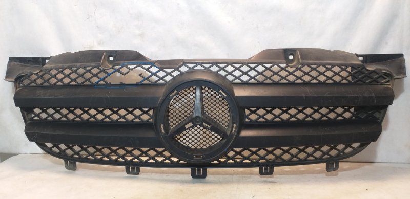 Решетка радиатора Mercedes Sprinter W906 2006> передняя A9068800385 (б/у)