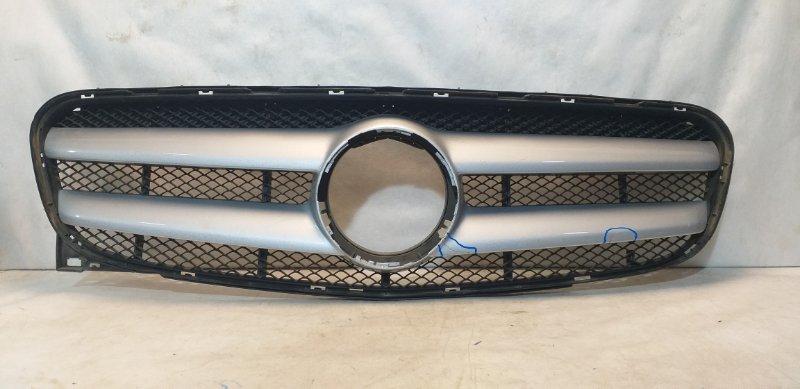 Решетка радиатора Mercedes Gla X156 2013> передняя A1568880038 (б/у)