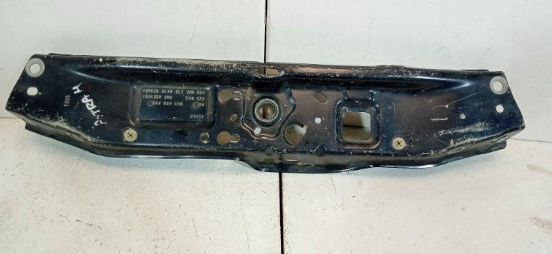 Панель передняя (телевизор) Opel Astra H L48 2004 1312118 (б/у)
