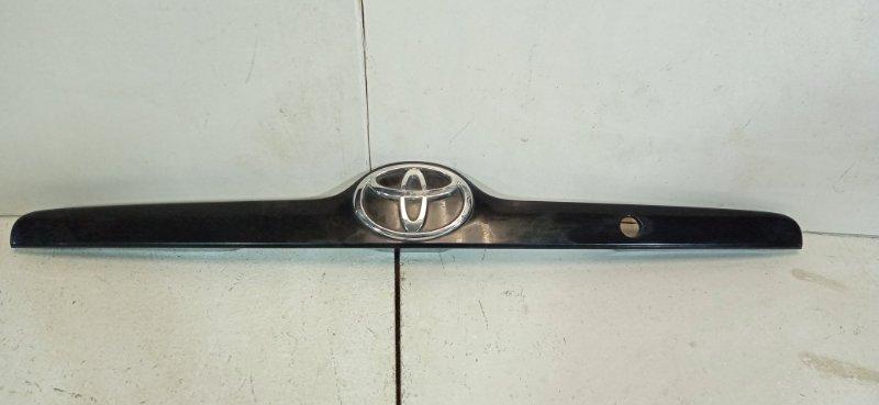 Молдинг крышки багажника Toyota Corolla 120 E120 3ZZ-FE 2006 задний 7681112670A0 (б/у)
