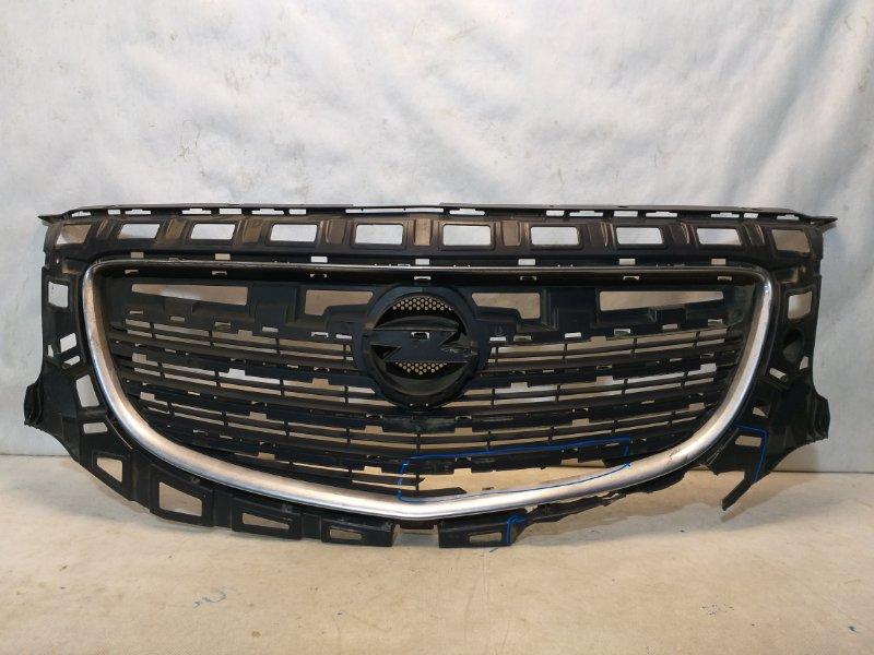 Решетка радиатора Opel Insignia 13282567 (б/у)