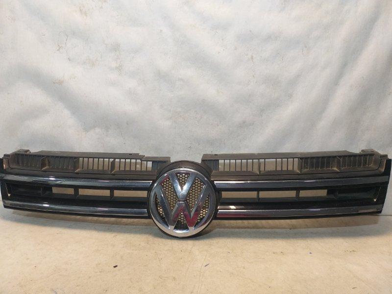Решетка радиатора Volkswagen Touareg 2 NF 2010 передняя 7P6853651C (б/у)