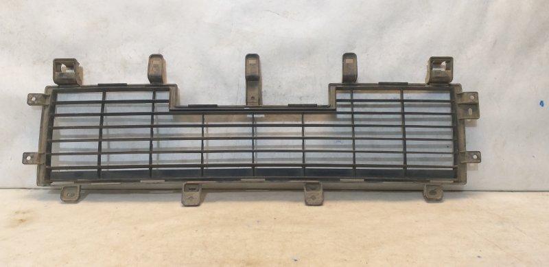 Решетка бампера Mitsubishi Pajero 4 (б/у)