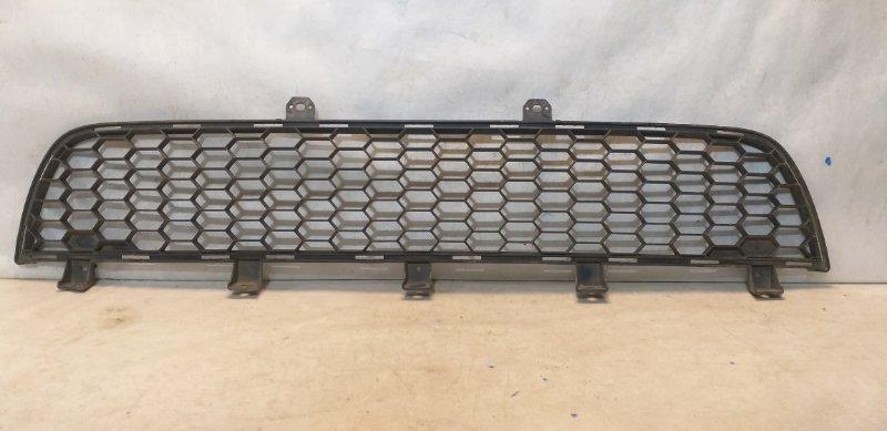 Решетка бампера Mitsubishi L200 6402A182 (б/у)
