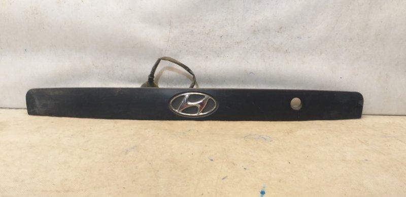 Накладка крышки багажника Hyundai Elantra 3 XD 2000 задняя 873612D500 (б/у)