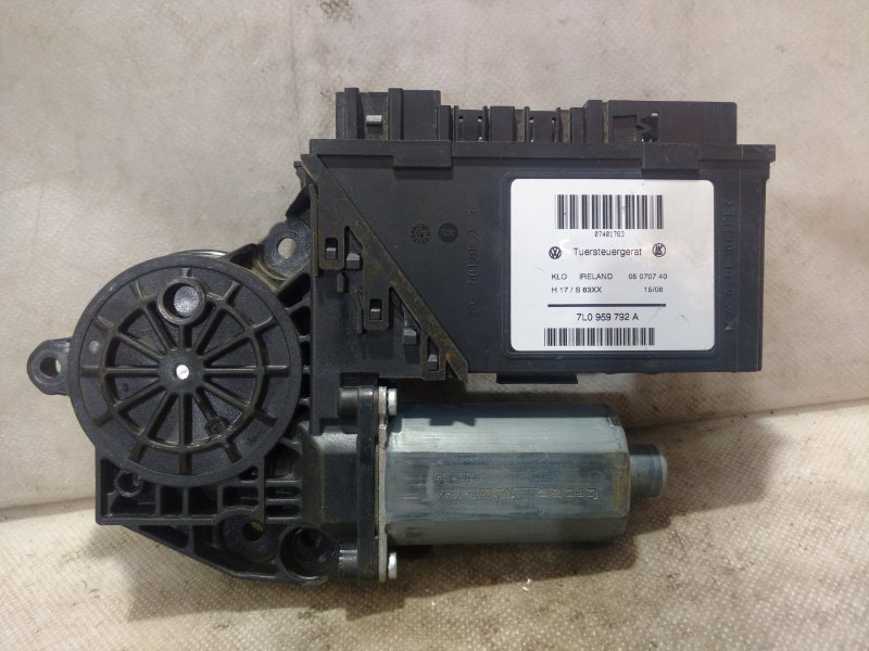 Мотор стеклоподъемника Volkswagen Touareg 1 7L0 2002 передний правый 7L0959792A (б/у)
