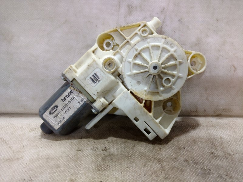Мотор стеклоподъемника Ford Focus 2 CB4 2006 передний левый 1515322 (б/у)