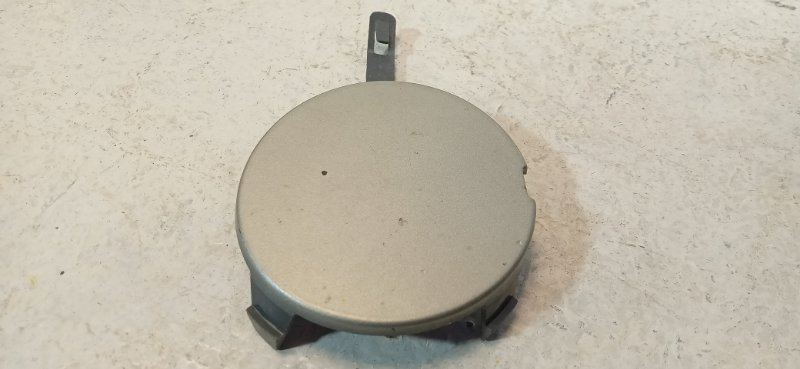 Заглушка бампера Lada Largus передняя 8450000302 (б/у)