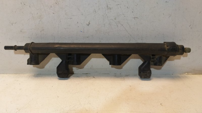 Рейка топливная (рампа) Peugeot 308 1 2007 198552 (б/у)