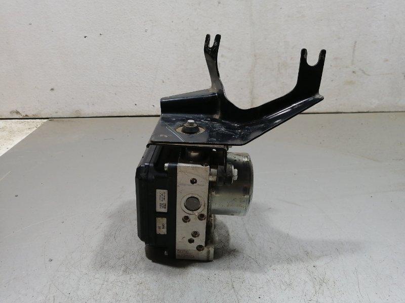 Блок abs (насос) Nissan Juke F15 2011 476601KK0B (б/у)