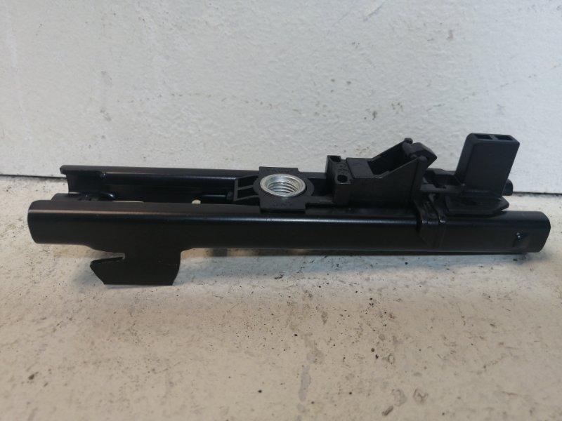 Механизм регулировки ремня безопасности Skoda Octavia A7 2013 3C8857819A (б/у)