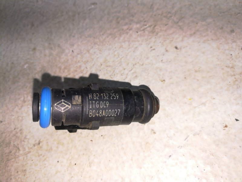 Форсунка инжекторная электрическая Renault Fluence L30 2010 8200505193 (б/у)