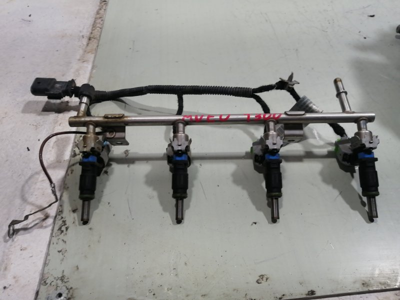 Рейка топливная (рампа) Chevrolet Aveo T300 T300 2011> 55573666 (б/у)