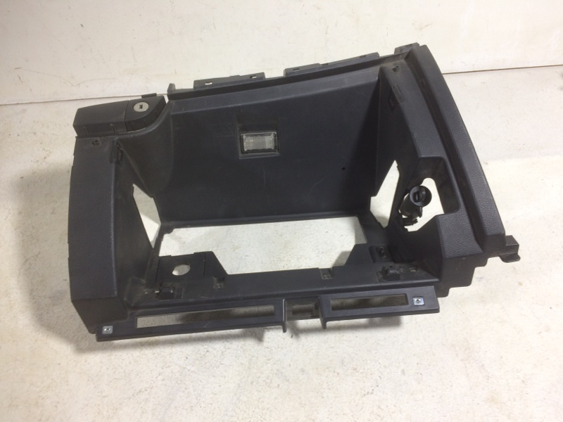 Накладка (кузов внутри) Hyundai Santa Fe 3 DM 2012 845402W000 (б/у)