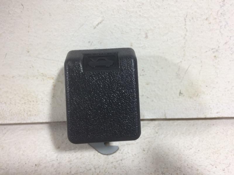 Ручка открывания капота Mitsubishi Pajero Б/Н (б/у)