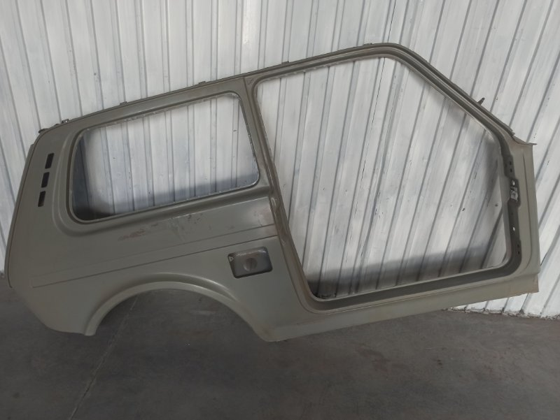 Боковина кузова Lada Niva правая 21214540001055 (б/у)