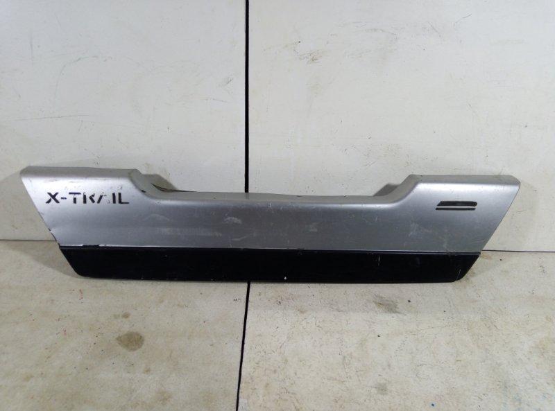 Накладка крышки багажника Nissan X-Trail 2 T31 909011DJ0A (б/у)