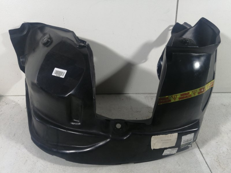 Подкрылок передний правый Renault Duster 2012> (б/у)