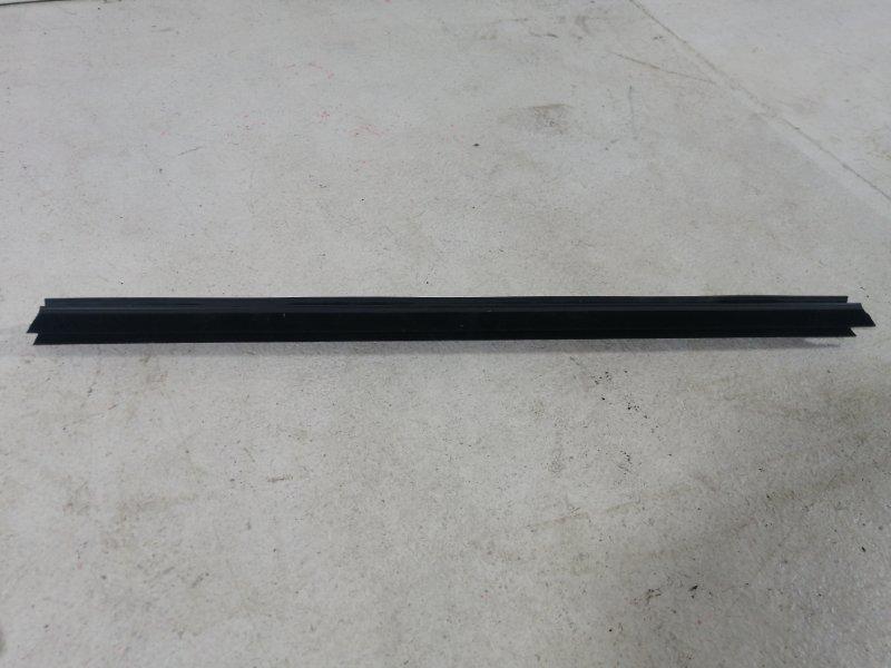 Уплотнитель Bmw X3 F25 3.0 (N52B30AF) 2011 задний левый (б/у)