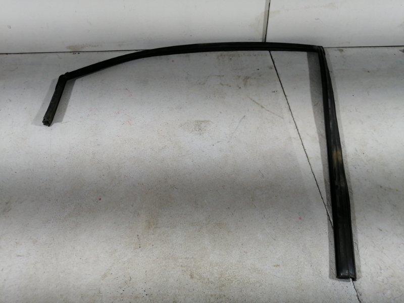 Уплотнительная резинка Kia Cerato 2 2009 задняя левая (б/у)