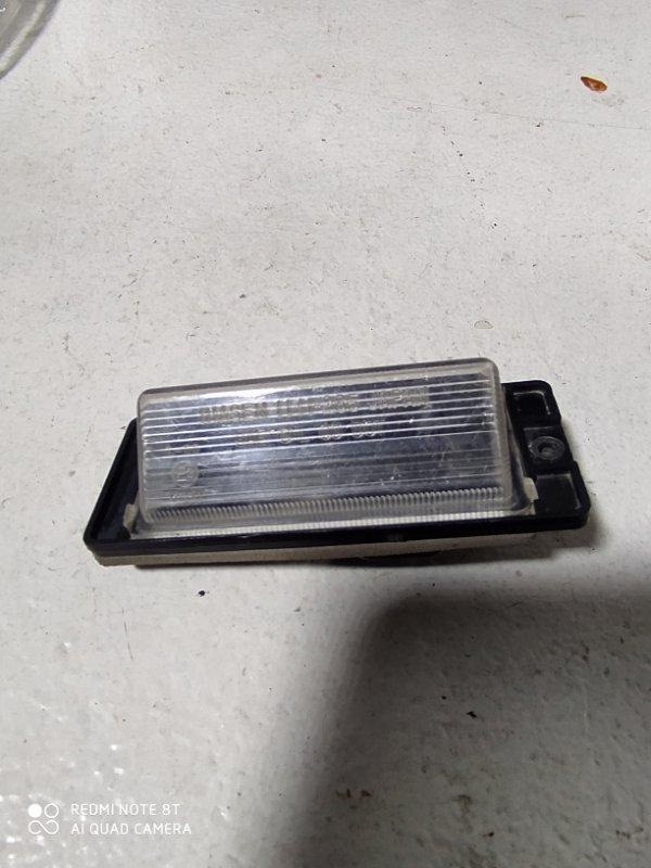 Фонарь в крышку багажника Mitsubishi Lancer 9 задний (б/у)