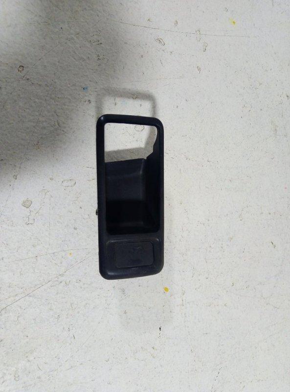Накладка ручки внутренней Ford C-Max левая 3M51226A37 (б/у)