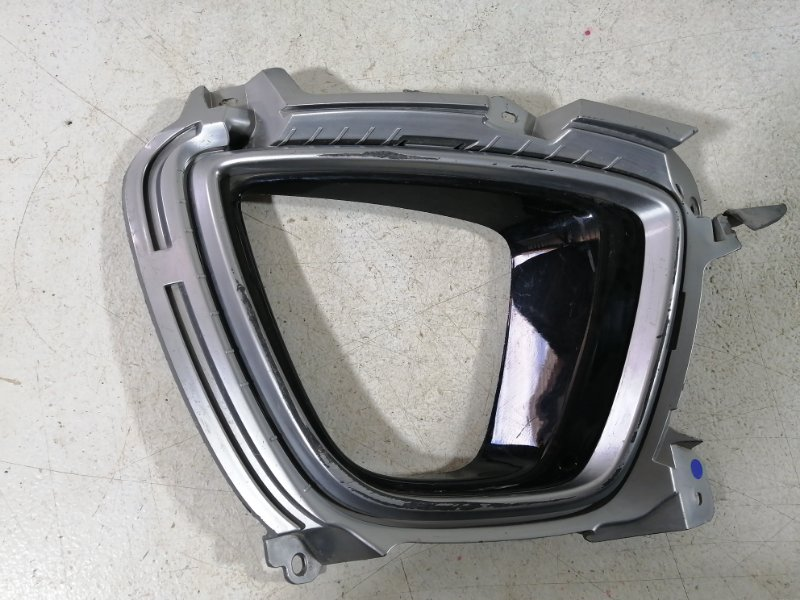 Накладка противотуманной фары Kia Sorento 3 Prime 2015> передняя правая (б/у)