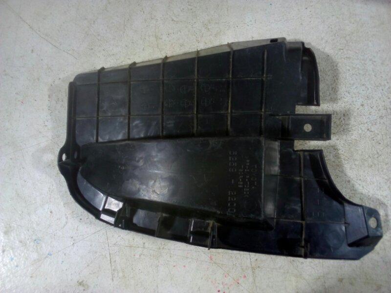 Пыльник бампера Toyota Corolla 150 150 задний правый (б/у)