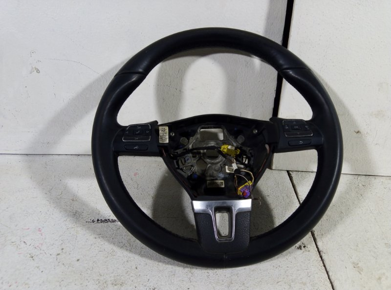 Руль Volkswagen Passat B7 B7 CDAB 2011 (б/у)