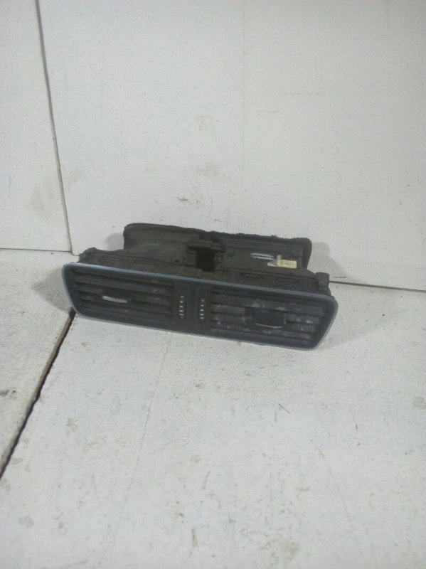Дефлектор воздушный Volkswagen Passat B7 B7 CDAB 2011 передний (б/у)