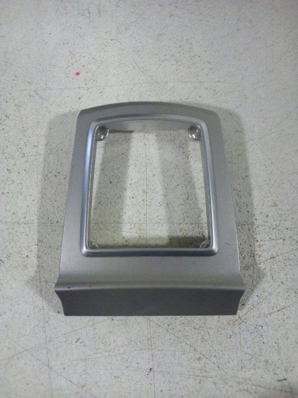 Накладка декоративная Ford Focus 2 СЕДАН 1.8 2006 (б/у)