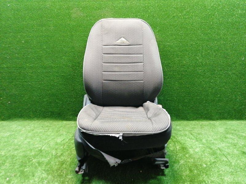 Сиденье Chevrolet Aveo T300 T300 2012 переднее правое (б/у)