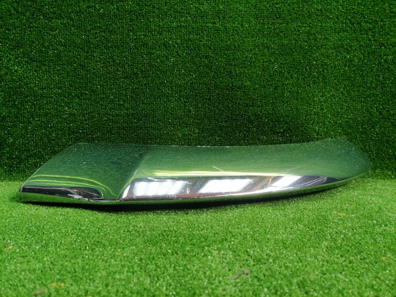 Накладка бампера передняя правая MERCEDES GLE W166