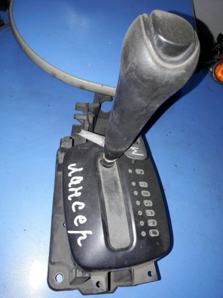 Рычаг переключения кпп Mitsubishi Lancer CK2A 4G15 1998