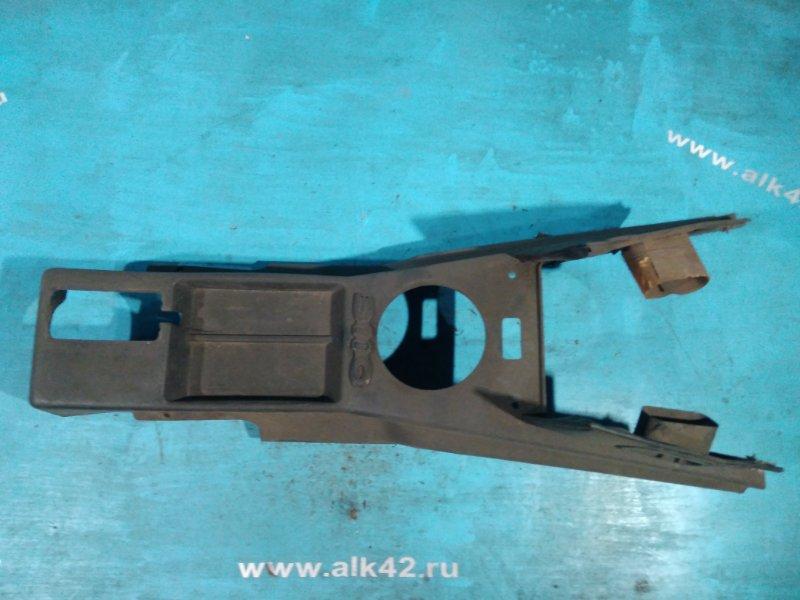 Консоль между сидений Газ Волга 31029 402