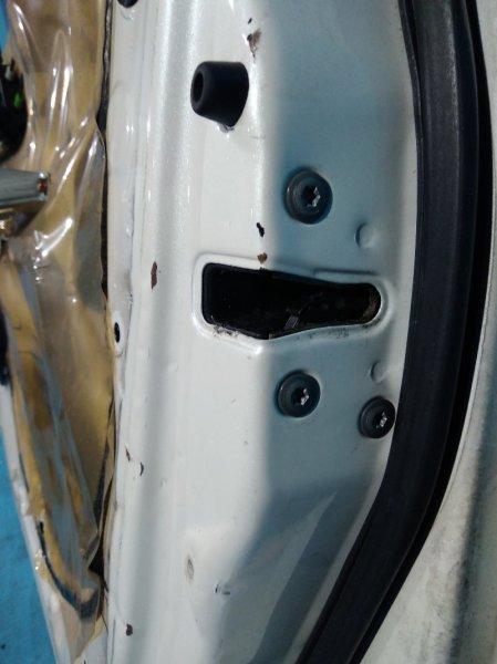Замок двери Toyota Ipsum SXM10 3S-FE передний правый