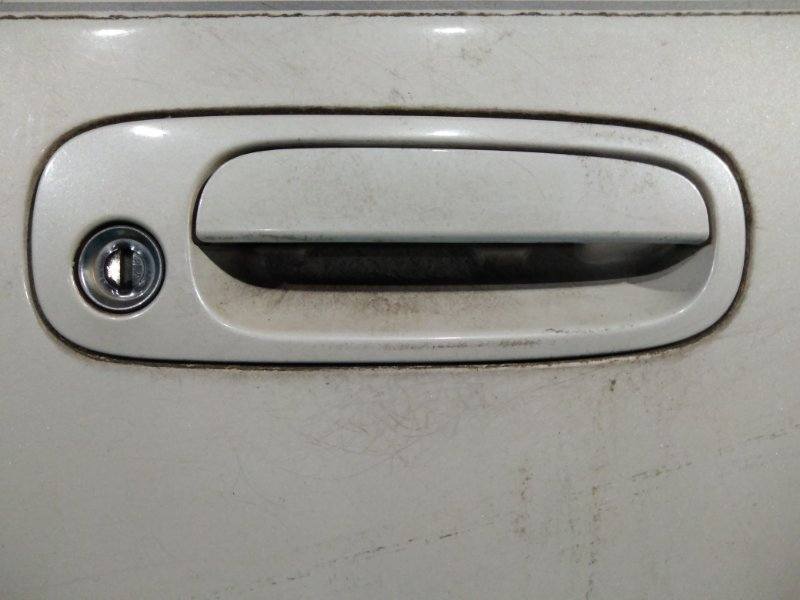 Ручка двери внешняя Toyota Ipsum SXM10 3S-FE передняя правая