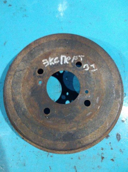 Тормозной барабан Nissan Expert VNW11 QG18-DE 2001г задний