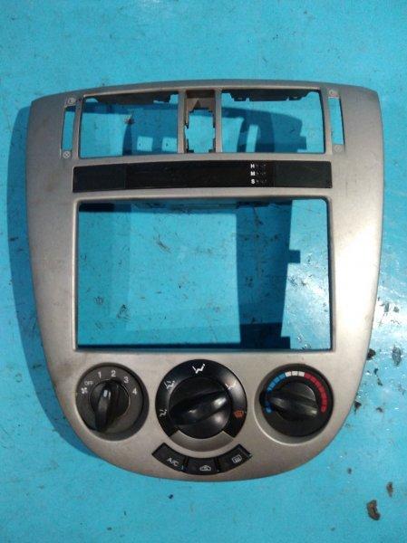 Консоль магнитофона Chevrolet Lacetti J200 F16D3 2008г