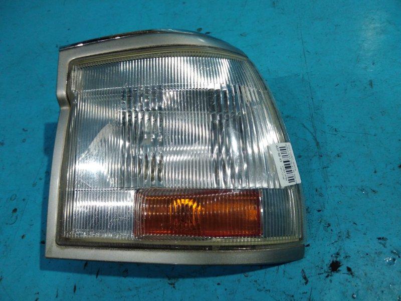 Габарит Toyota Hiace KZH100G 94г передний правый