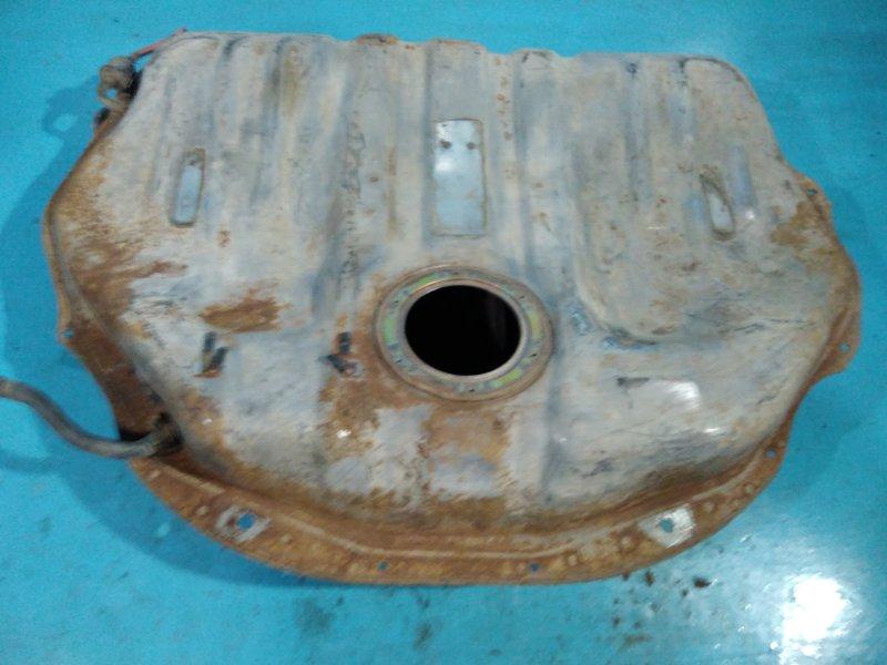 Бензобак Nissan Bluebird U11 CA18