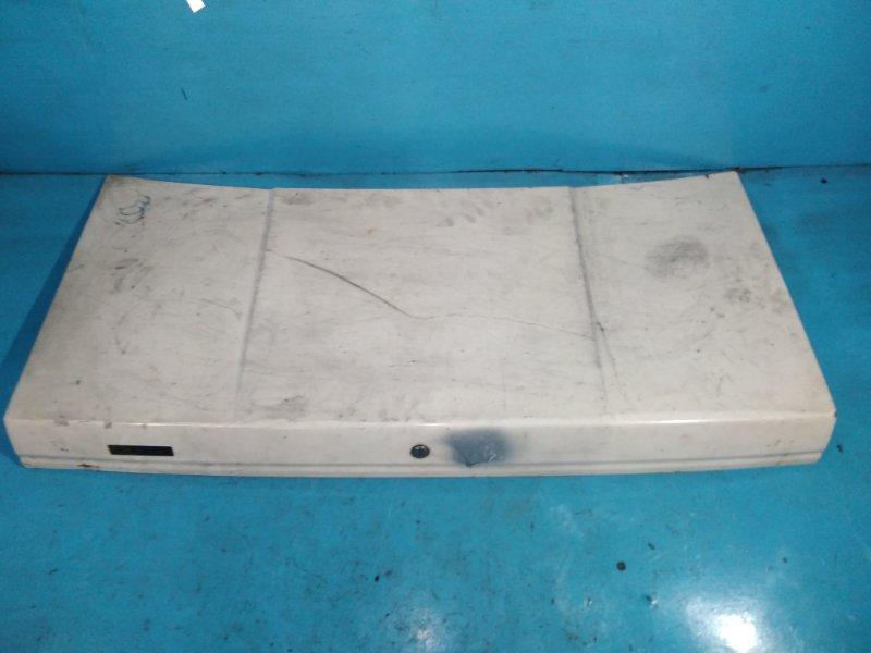 Крышка багажника Nissan Bluebird U11 CA18