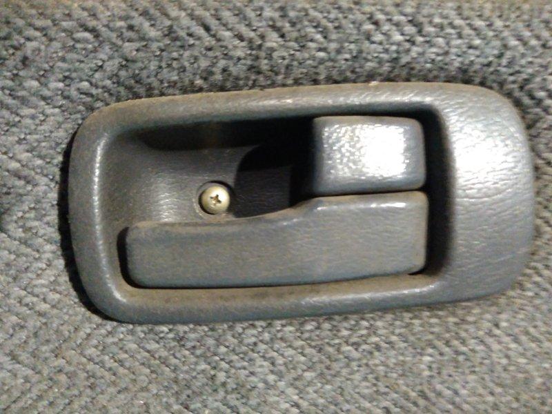Ручка двери внутренняя Isuzu Gemini JT641F 4EE1-T 1991г передняя правая