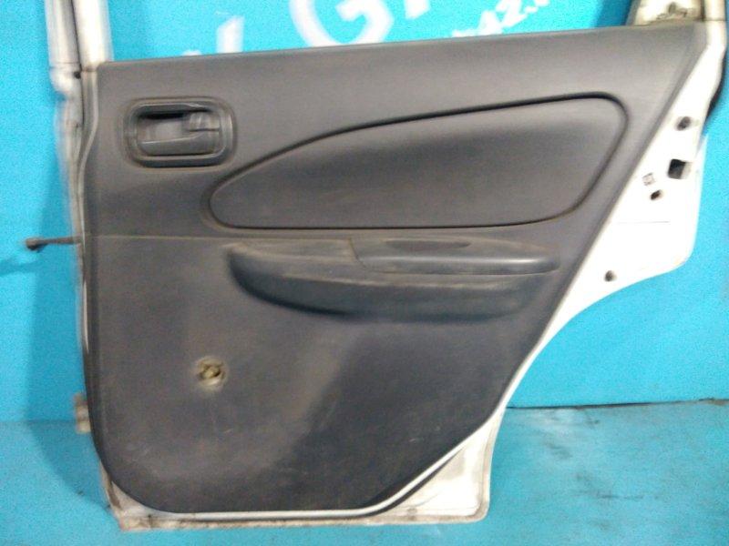 Обшивка дверей Nissan Ad VEY11 YD22 задняя правая