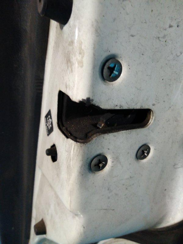 Замок двери Nissan Ad VEY11 YD22 задний правый