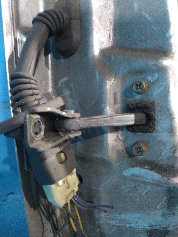 Ограничитель двери Mitsubishi Colt Z27A 4G15 2003 задний правый